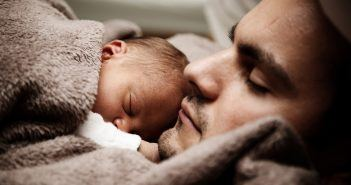 how to get newborn to sleep in bassinet
